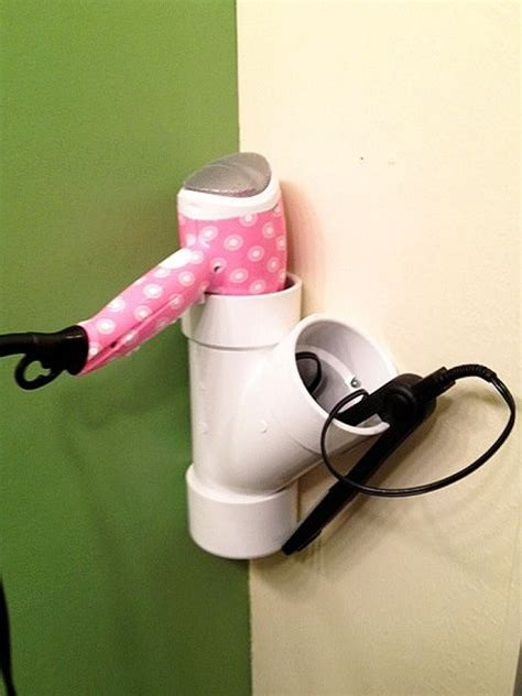 porte seche cheveux et lisseur 17 astuces pour rendre une salle de bain fonctionnelle