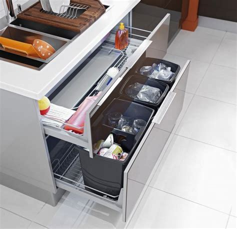 pour une cuisine ergonomique ce grand tiroir est équipé