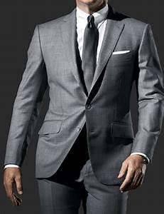 Daniel Craig Grey Suit - James Bond Skyfall Outfits