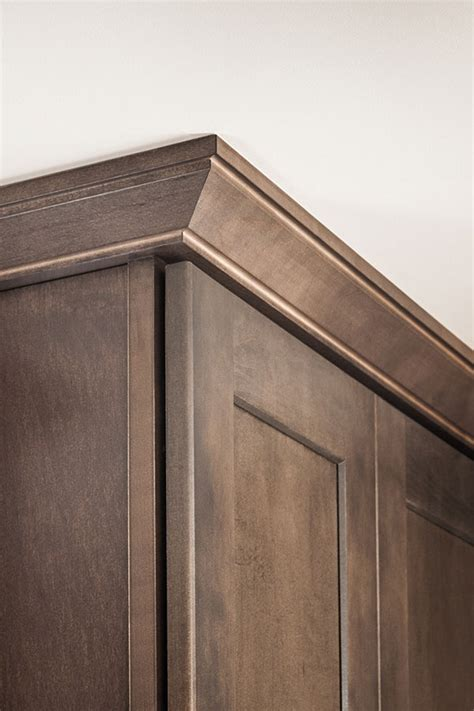 inset shaker style doors with cove crown and light shaker crown moulding aristokraft cabinetry