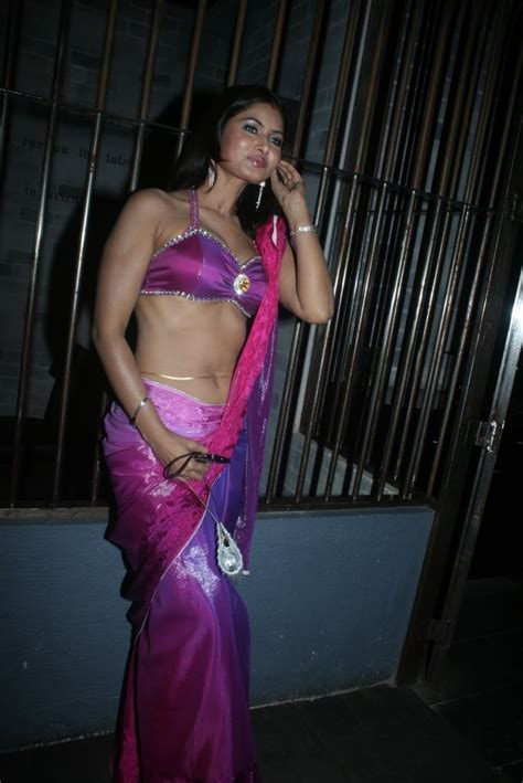hot wallpapers savita bhabhi divya diwedi hot
