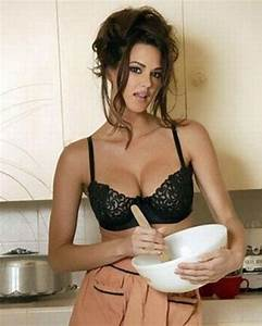 HOT KITCHEN BEAUTIES TO HELP YOU COOK WITH DISTRACTION ...