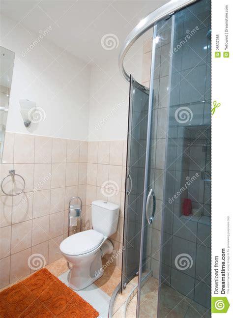 salle de bains avec la toilette de photo stock image 25537988