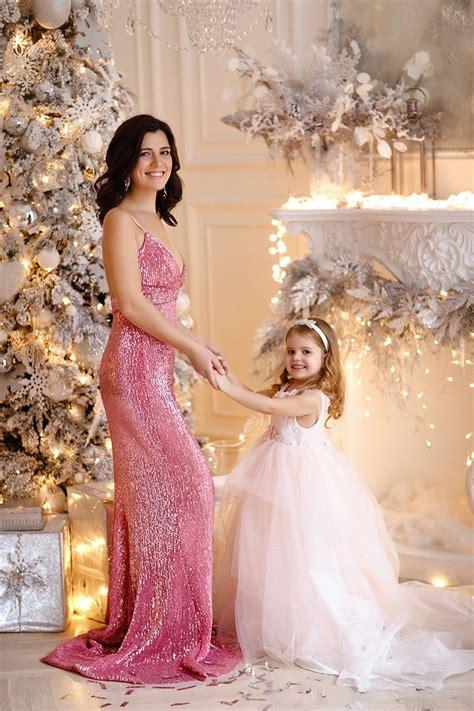 платья нарядные для мамы и дочки . MARK'A одинаковая одежда для мамы и дочки