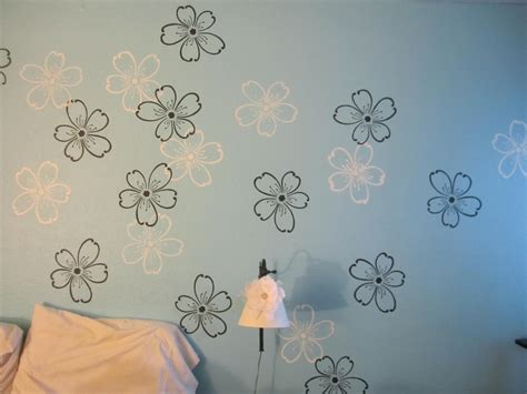 wall paint stencils with beautiful wall painting flower