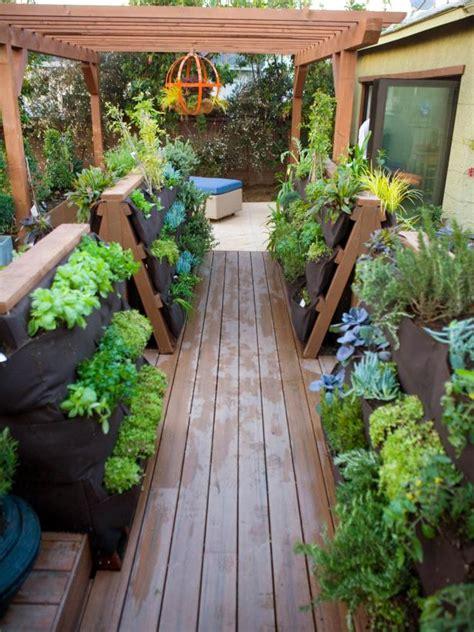 Vertical Container Gardening On A Deck Hgtv