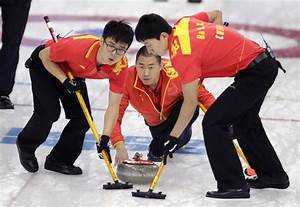 Canadian curling coach leads China into semifinals against