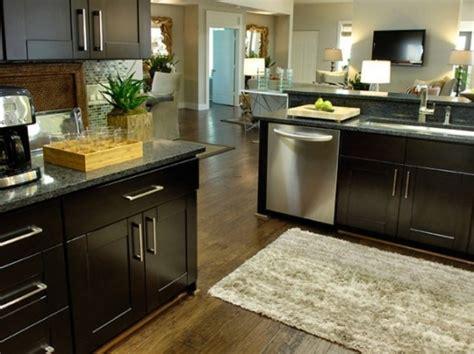 Contemporary Black Oak Kitchen Cabinets Shaggy Nylon Rug