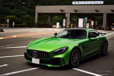 """In this video old amg sls gt compare with its new model amg gtr.by watching this video your will easily understand that how new model is different from its. KUGATTI on Twitter: """"SLS AMG Black Series × AMG GTR ️ 国内25台限定のSLSと、ファーストロット5台のうち1台のGTR ️ この時期にこの ..."""
