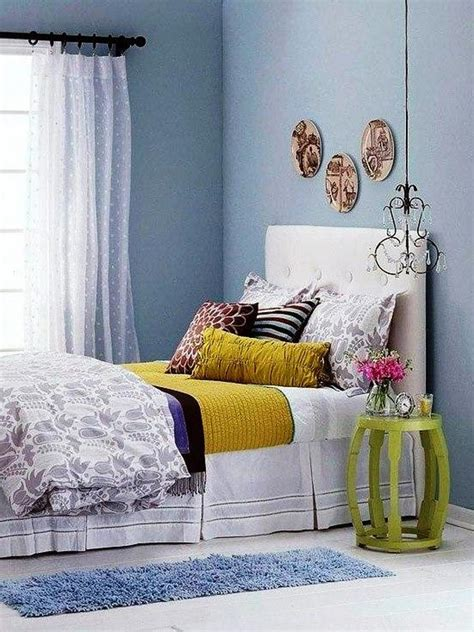 Decorating Ideas For A Small Bedroom On A Budget by Bedroom Decorating Ideas On A Small Budget Interior