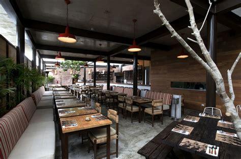 restaurant  large open garden interiorzine