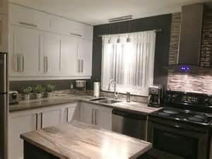 repeindre ses meubles de cuisine en bois les 25 meilleures idées concernant armoire de cuisine sur