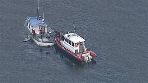 Boat Sinking Vancouver by Coast Guard Responds To Sinking Boat In False Creek Ctv