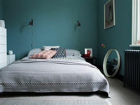 chambre gris et bleu 1001 idées pour une chambre bleu canard pétrole et paon