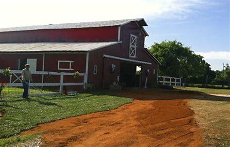oakwind big red barn alvin tx   pinterest