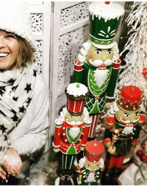 Entdecken sie veröffentlichungen von σοφία αλιμπέρτη auf discogs. Σοφία Αλιμπέρτη: Ποζάρει ανανεωμένη και με χριστουγεννιάτικη διάθεση στέλνοντας το δικό της ...