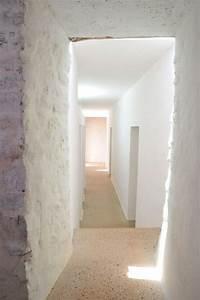 Mur Pierre Apparente : mur en pierre apparente mobilier en bois et plafond en ~ Premium-room.com Idées de Décoration