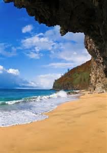 Kauai Kalalau Beach Cave