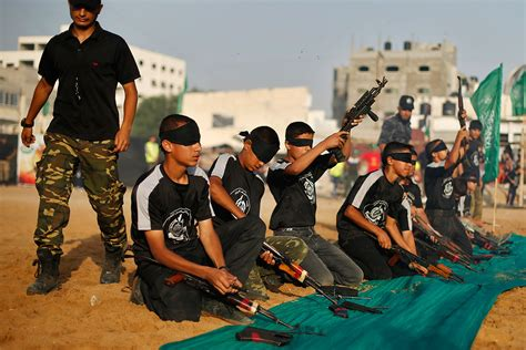 hamas summer camps palestinian children receive military