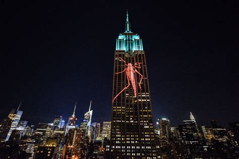 cecil  lion projected  empire state building