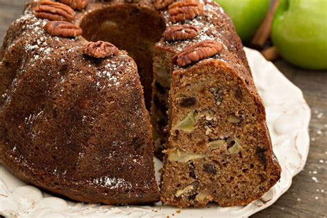 quick  easy recipes   rum cake youll   dig
