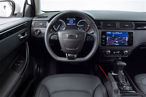 2018 Qoros 3 City Suv 16t Picture 579763 Car Review