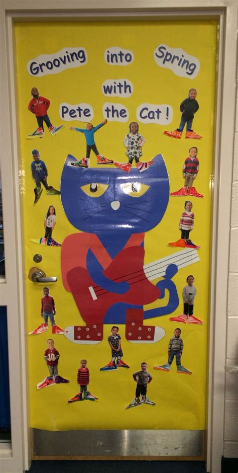 Pete The Cat Classroom Decorations by Pin By Carla Nieset Richardson On Reading