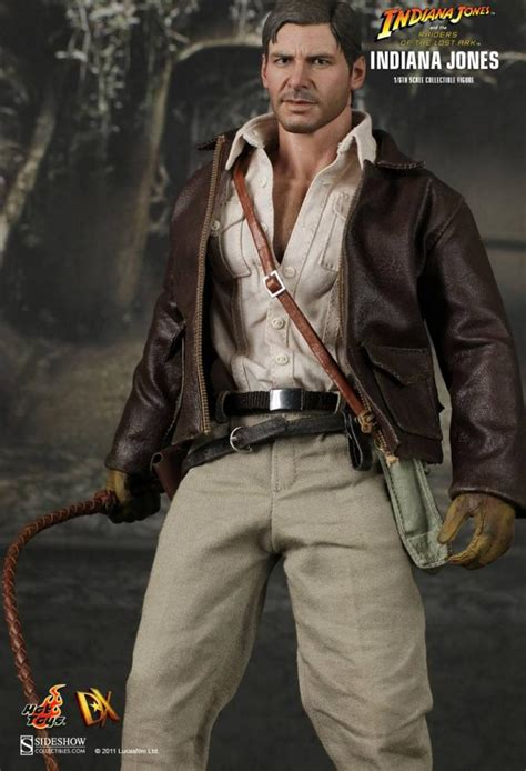 hot toys indiana jones raiders   lost ark indiana