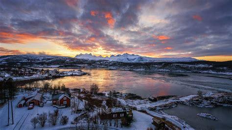 Winter Sunset In Norwegian Village Hd Wallpaper