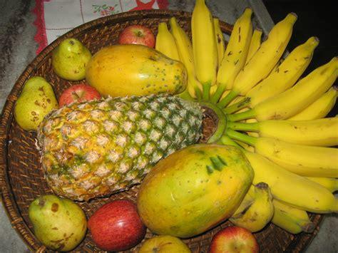 photo de d artagnan file bandeja de frutas tropicais jpg wikimedia commons