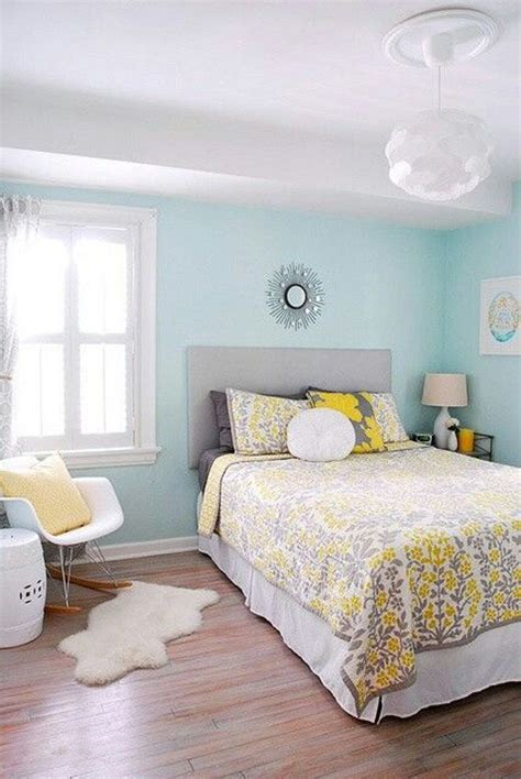 Schlafzimmer Blau Streichen by Best Paint Colors For Small Room Some Tips Homesfeed