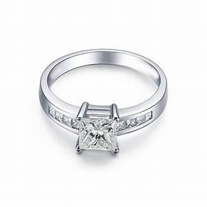 Elegant 1 Carat Princess cut Diamond Engagement Ring ...