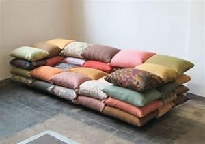 Coussins Originaux Pour Canapé : coussins design pour canape maison design ~ Teatrodelosmanantiales.com Idées de Décoration