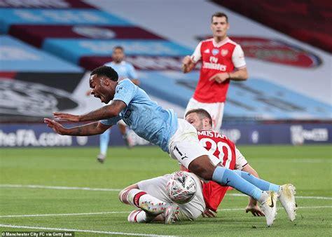 Arsenal 2-0 Manchester City : Aubameyang scores twice to ...