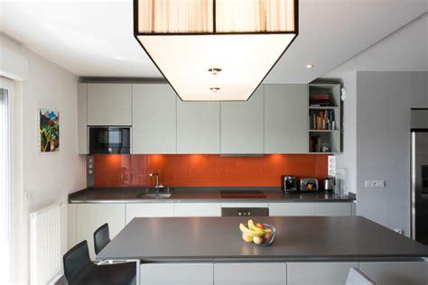 cr馘ence pour cuisine peinture gris perle pour cuisine maison design bahbe com