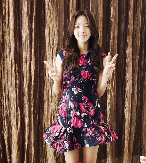 Chae soo bin facts and ideal type chae soo bin (채수빈) is a south korean actress under king kong by starship. chae soo bin   Korean outfits, Fashion outfits, Korean fashion trends