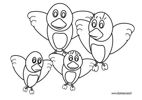disegno semplice  una famiglia  uccellini