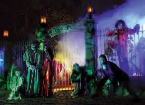 Knotts Berry Farm Halloween by Best Theme Park Attractions For Halloween 2012