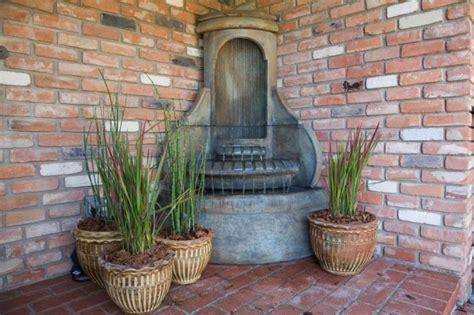 fontaine decorative exterieure jardin fontaine murale ext 233 rieure pour jardin terrasse et piscine