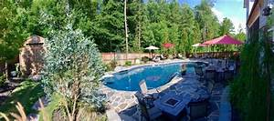 10 Inexpensive Ways To Decorate Your Pool