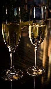 Image Champagne Anniversaire : free photo champagne anniversary beverages free image on pixabay 1803122 ~ Medecine-chirurgie-esthetiques.com Avis de Voitures