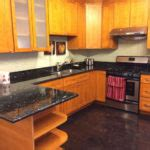 kitchen stove backsplash betularie granite countertop kitchen design ideas 3202