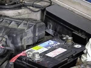Comment Changer Batterie Voiture : faire soi m me changer la batterie de sa voiture prot gez ~ Medecine-chirurgie-esthetiques.com Avis de Voitures