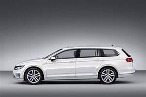 Volkswagen Passat Gte : all new vw passat gets gte plug in hybrid version for paris auto show carscoops ~ Medecine-chirurgie-esthetiques.com Avis de Voitures