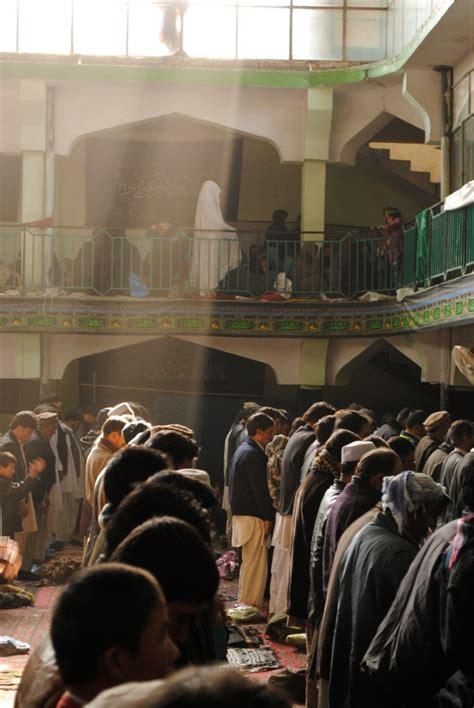 afghan men  women praying  mosque islamicartdbcom