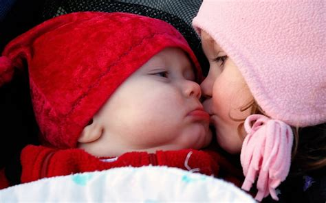 cute babies girl  boy kissing wallpapers cool