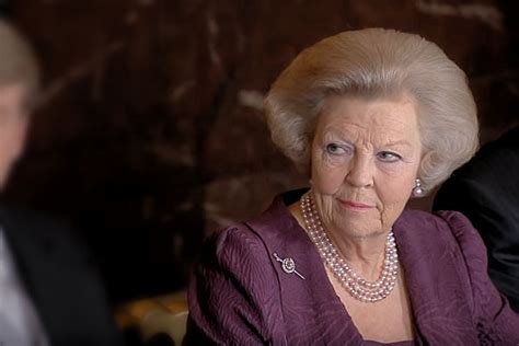 808 likes · 28 talking about this. Geruchten over comeback Beatrix steeds sterker