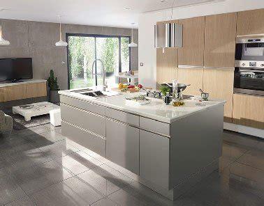 ilot cuisine inox cuisine ouverte sur salon avec îlot inox design castorama