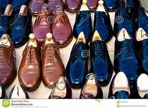 Schuhschränke Für Viele Schuhe : viele schuhe f r verkauf stockbilder bild 13189424 ~ Markanthonyermac.com Haus und Dekorationen