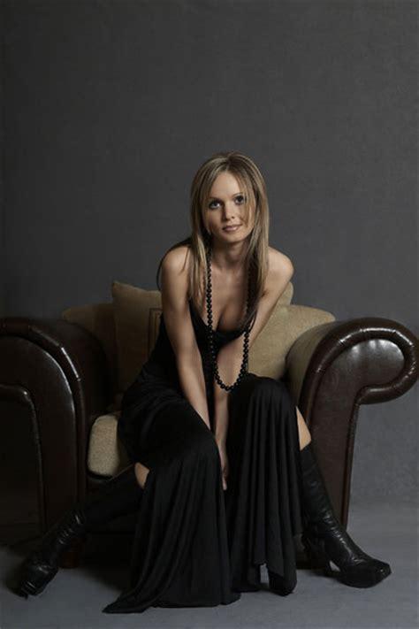 Pop Rock Jazz Opera Female Singer 5115